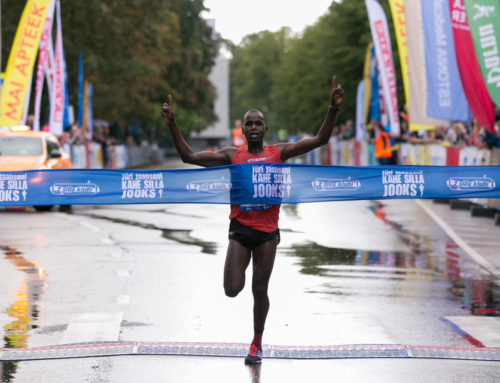 Last year's winners Ibrahim Mukunga Wachira and Liina Tšernov triumphed at Two Bridges Race